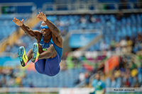 Lex Gillette jumping for the record!